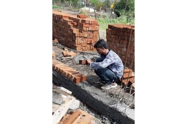 Sumit passed UPSC exam, also work mechanic job - Jabalpur News in Hindi