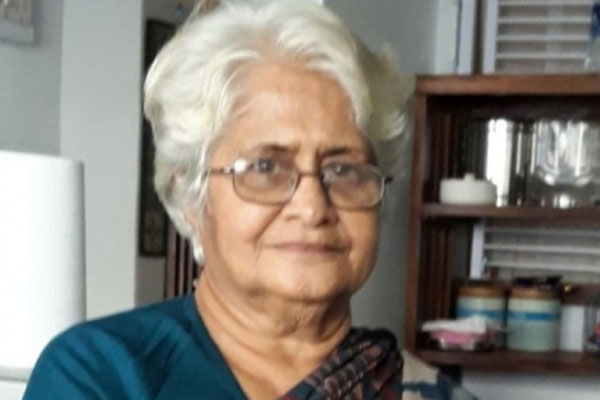 National Award film-maker Sumitra Bhave dead in Pune - Bollywood News in Hindi