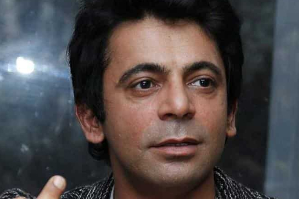 Sunil Grover shares cigarette recipe to deliver anti-cancer message - Bollywood News in Hindi