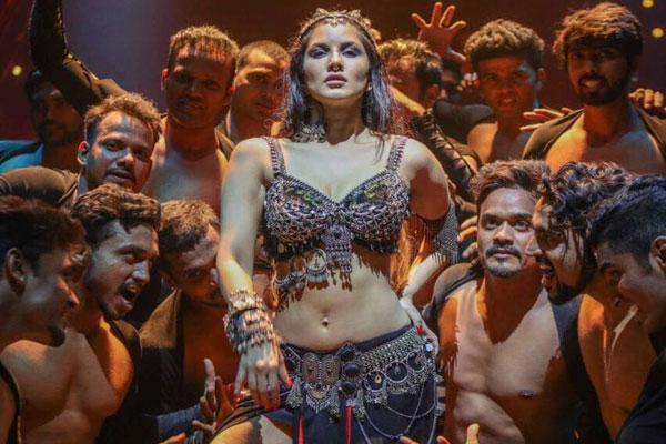 Sunny Leone shares first look from Bhoomi songTrippy Trippy - Bollywood News in Hindi