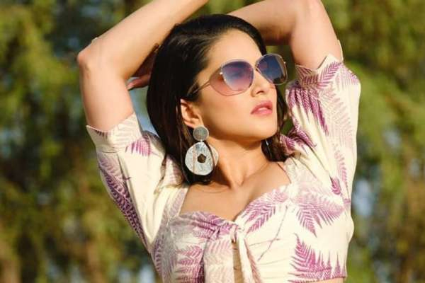 Sunny Leone: I want to stay here - Bollywood News in Hindi