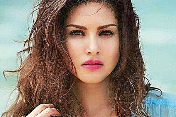 Bigg Boss 14: Sunny Leone to give reality dose to contestants - Television News in Hindi