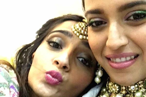 Swara gets nostalgic on BFF Sonam Kapoor birthday - Bollywood News in Hindi