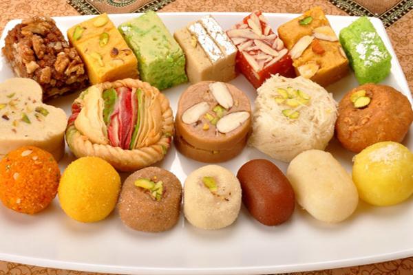 Halwais made immunity booster sweets, demand increased in festive season - Delhi News in Hindi