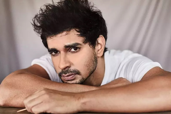Tahir Raj Bhasin: I get bored easily so playing different parts works for me - Bollywood News in Hindi