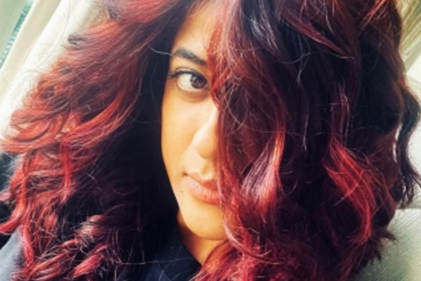 Tahira Kashyap goes bold with fiery red hair - Bollywood News in Hindi
