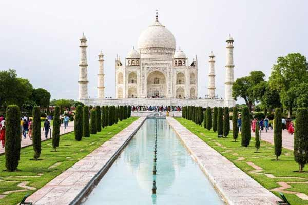 Yogi Adityanath To Visit Taj Mahal Today - Agra News in Hindi