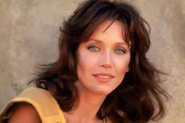 Bond girl Tanya Roberts not dead but critical, publicist now says - Hollywood News in Hindi