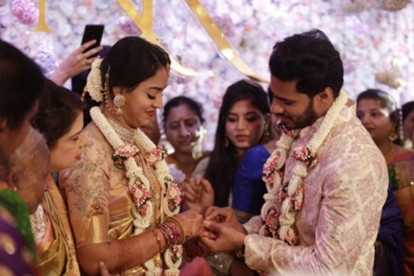 Engagement of Kumaraswamy son Nikhil with Revati - Bengaluru News in Hindi