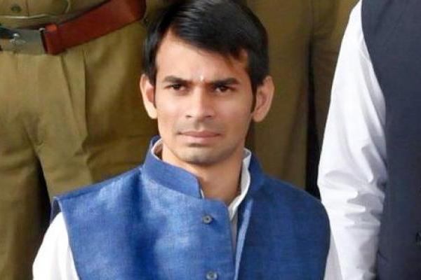 Big relief for Tej Pratap, Supreme Court closes murder case against him - Patna News in Hindi