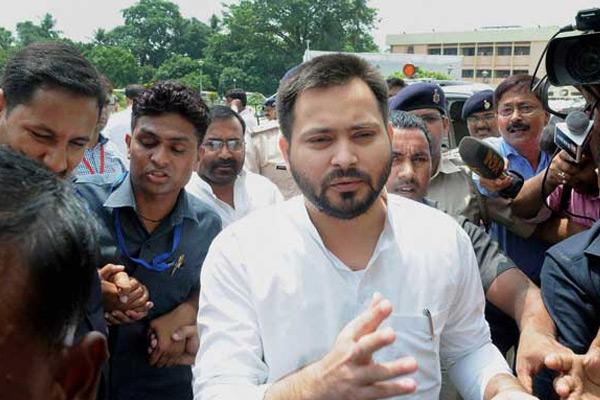 Tejashwi Yadav targets on Bihar CM Nitish Kumar - Patna News in Hindi