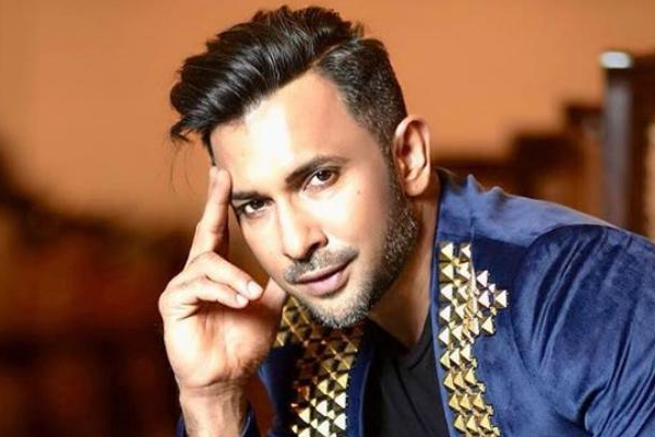 Lockdown diaries: Terence Lewis misses holding hands, stealing kisses - Bollywood News in Hindi