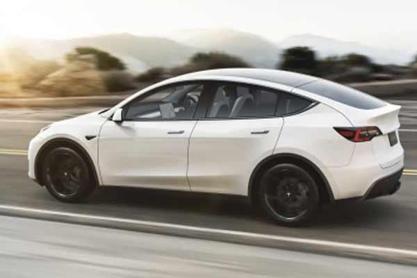 टेस्ला ने दूसरी तिमाही में 200,000 से अधिक वाहन वितरित किए