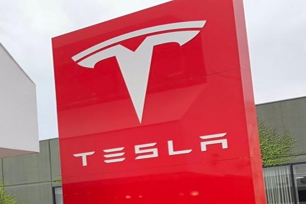 टेस्ला भारत में इलेक्ट्रिक कारों के उद्योग को देगा मजबूती