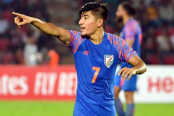 Thapa wants to go to Qatar and watch Messi and Ronaldo play in World Cup - Football News in Hindi