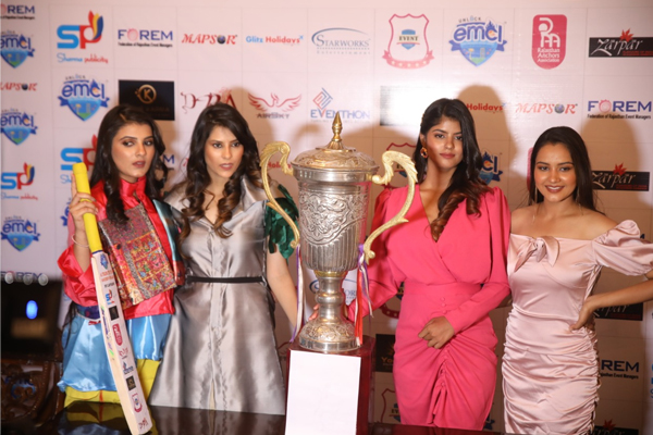 The captain will walk the ramp with models promoting cricket and fashion - Jaipur News in Hindi