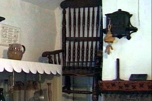 Cursed Chair : know about this mysterious chair killed 63 people in england - Weird Stories in Hindi