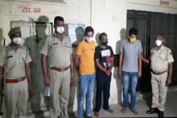 जयपुर में आर्टिफिशियल ज्वेलरी शोरूम में चोरी, गिरफ्तार तीन कर्मचारियो से 9 लाख का कुंदन मीना बरामद