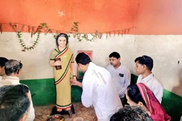 Tribals worship Indira Gandhi like a goddess - Khargone News in Hindi