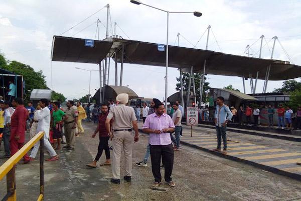 माता नैना देवी जाने वाले श्रद्धालुओं के लिए करना पड़ा टोल माफ