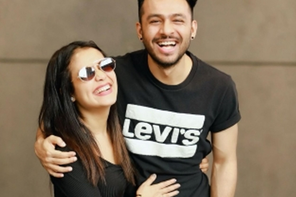 Tony Kakkar reveals in what way sister Neha Kakkar inspires him - Bollywood News in Hindi