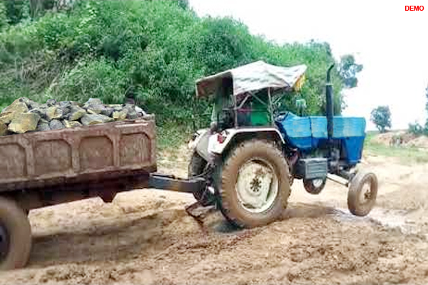 baran news : Tractor driver and owner attacked on forest personnel in baran - Baran News in Hindi