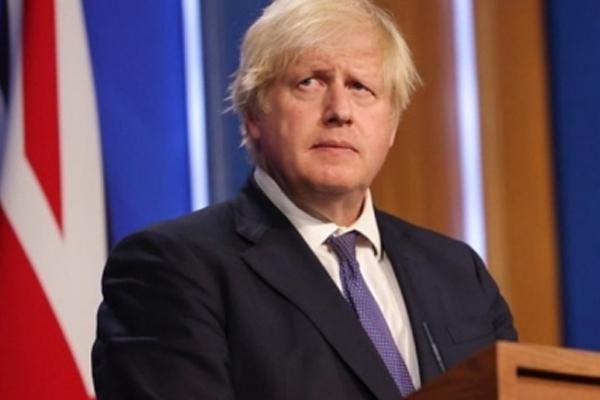 ब्रिटेन के PM जॉनसन चाहते है एशेज के दौरान परिवार को साथ लाने पर प्रतिबंध हटाया जाए