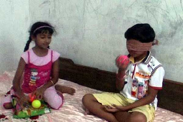 With closed eyes, these children can see only by snorted off - Una News in Hindi
