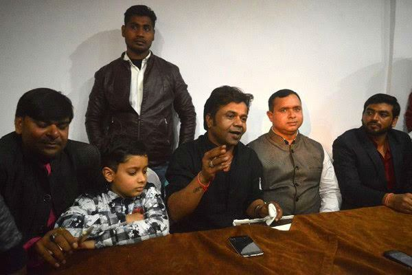 comedian rajpal yadav elected in the state will sell the milk - Agra News in Hindi