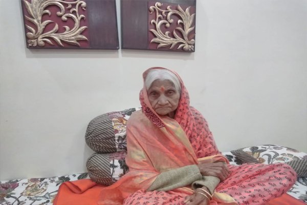 Meet unique female devotee, food was abandoned for construction of Ram temple in Ayodhya - India News in Hindi
