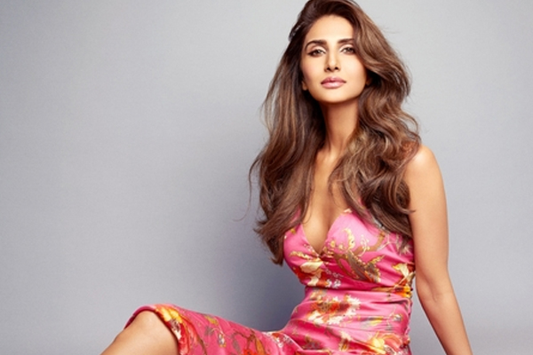Vaani says the decision to work with Akshay was absolutely easy - Bollywood News in Hindi