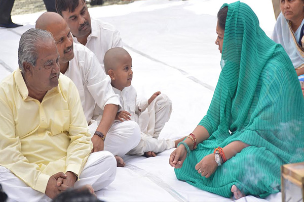 सीएम राजे ने मंत्री नंदलाल मीणा को ढांढस बंधाया