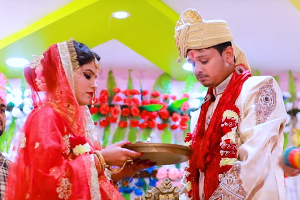 Video of the wedding song Dulhe Ka Sehra Suhana Lage goes viral - Bollywood News in Hindi