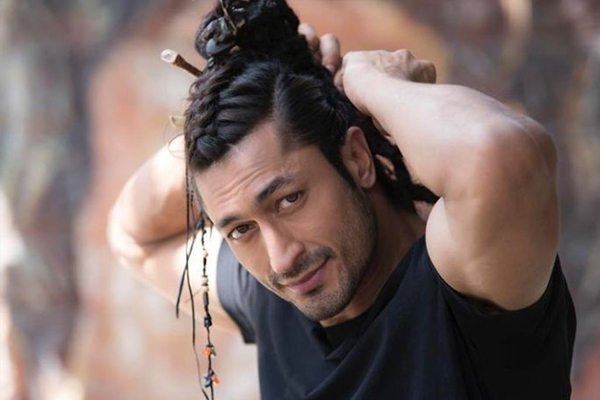 Vidyut Jammwal questions trend of star power dictating Bollywood - Bollywood News in Hindi