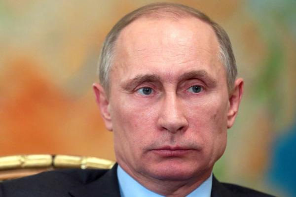 Putin midnight deadline and Hammond economy update - World News in Hindi