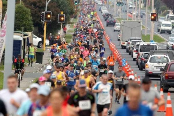 Voss clinches back-to-back Rotorua Marathon titles - Sports News in Hindi