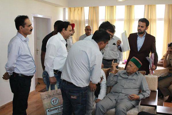Benefits of state goverment schemes ensure reaching poor people said himachal pradesh CM - Dharamshala News in Hindi