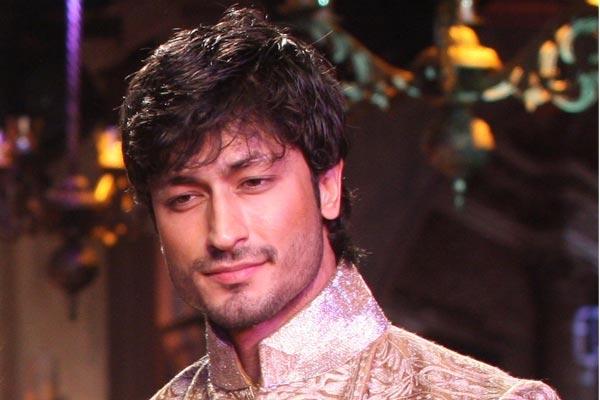 Bspecial Vidyut jamwal - Bollywood News in Hindi
