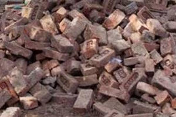 सोनभद्र : पत्थर की खदान में फंसे 3 मजदूर, बचाव अभियान जारी