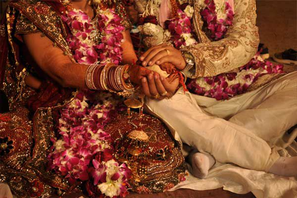 cash problem continue for wedding - Lucknow News in Hindi