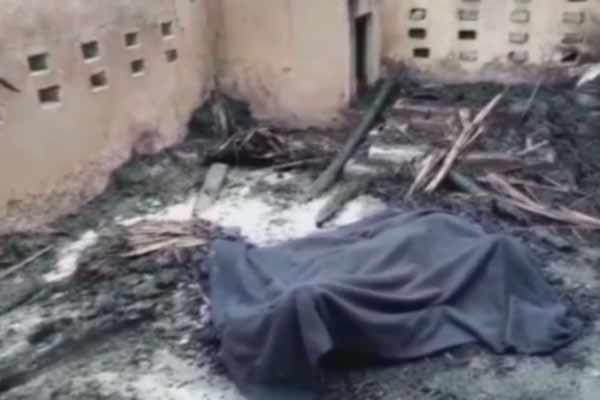 यूपी में महिला से गैंगरेप के बाद जिंदा जलाया