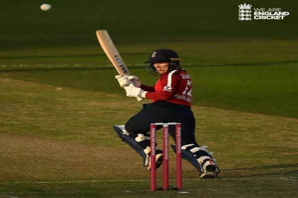 Women cricket: England beat New Zealand with half-century from Beaumont, Skiver - Cricket News in Hindi