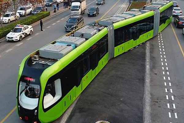 Worlds first trackless smart train begins test run in China - Weird Stories in Hindi