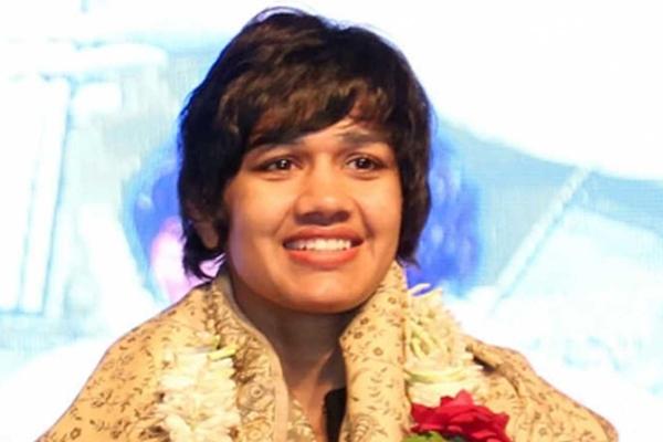Wrestler Babita Phogat quit government job to join politics - Sports News in Hindi