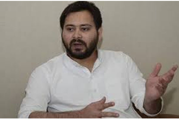 Government should fulfill the promise of providing employment to 19 lakh people, else it will be a mass movement - Tejashwi Yadav - Patna News in Hindi