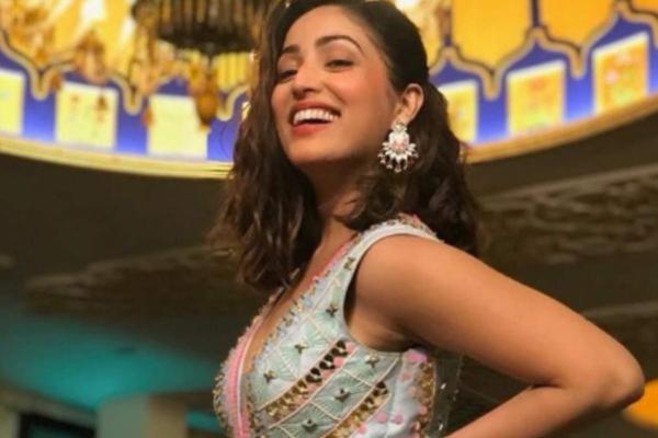 Yami Gautam urges everyone to go natural - Bollywood News in Hindi