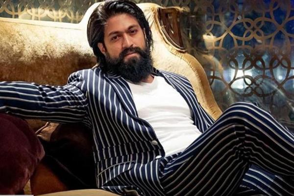 Fan of KGF star Yash commits suicide in Karnataka - Bengaluru News in Hindi