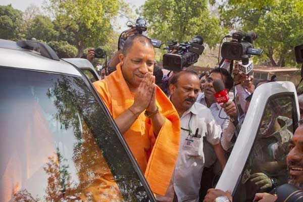 cm yogi adityanath gave Rs 235 crores to Agra - Agra News in Hindi