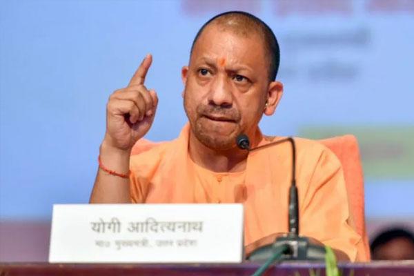 मुख्यमंत्री योगी ने नरेन्द्र गिरि को दी श्रद्धांजलि, बोले- पुलिस के हाथ कई सुराग मिले, दोषियों को मिलेगी कड़ी से कड़ी सजा