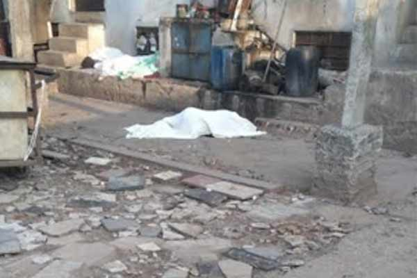 Youth dies after falling from the roof of the third floor in Jaipur - Jaipur News in Hindi